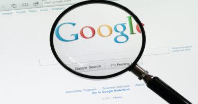 Putin critic Navalny slams Google and Apple for accepting Kremlin censorship